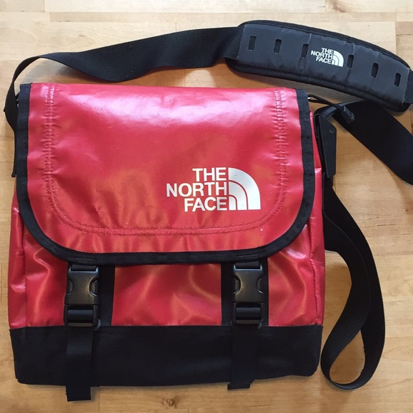 2acf0bab598d The North Face Waterproof Messenger Bag